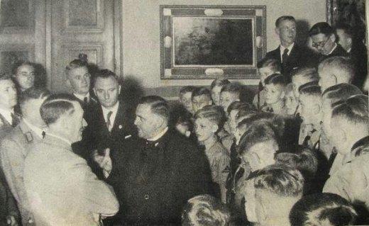 Schrems+Hitler