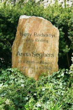 AnnaSeghers04
