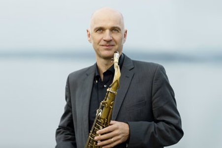 Hugo Siegmeth01
